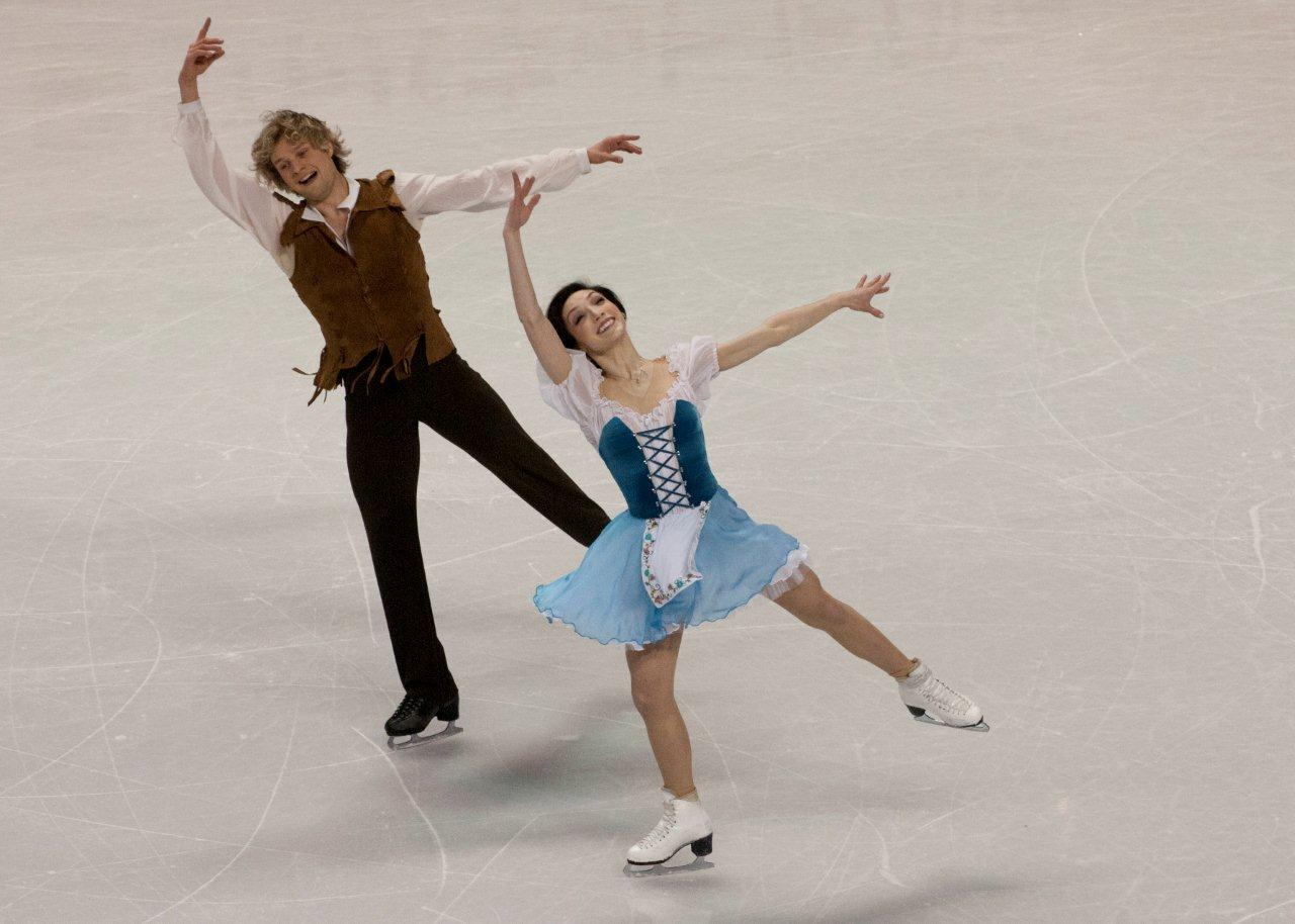 Davis and white figure skating hookup